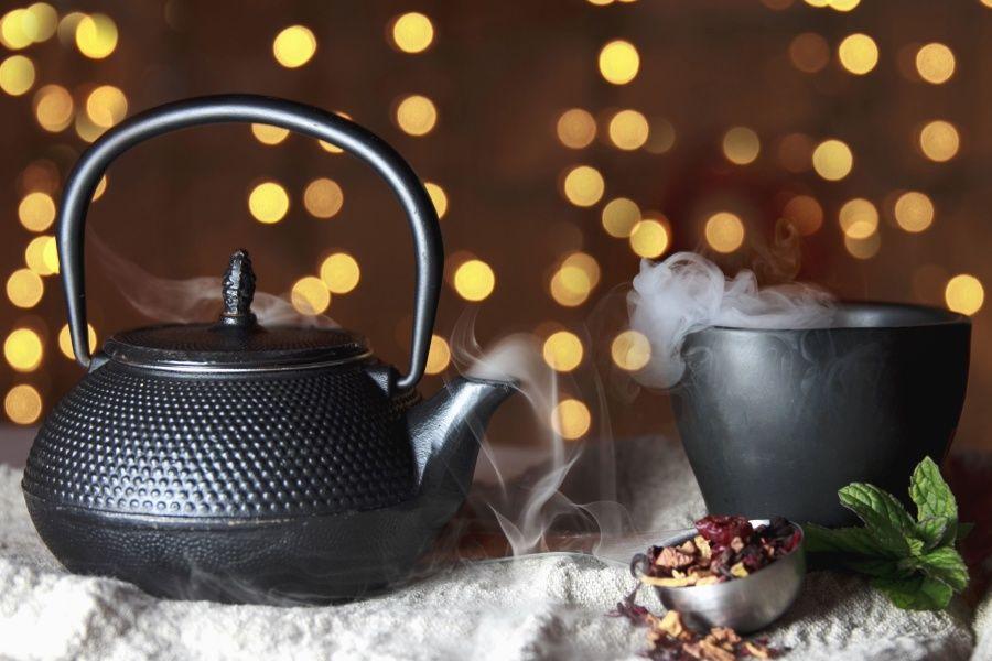 Le thé russe on le sert avec ses origines